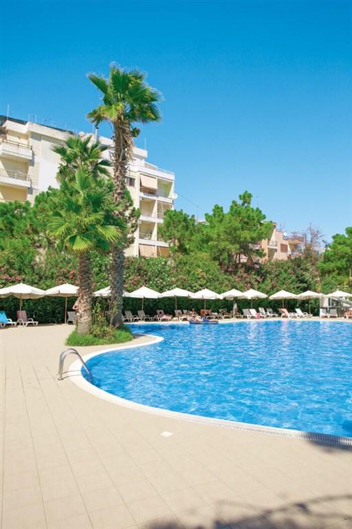Dolce Vita Hotel 8